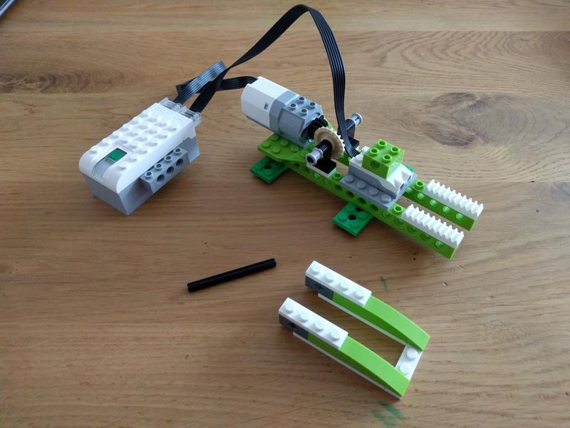 45300 Wedo 20 Crocodile Bricksafe