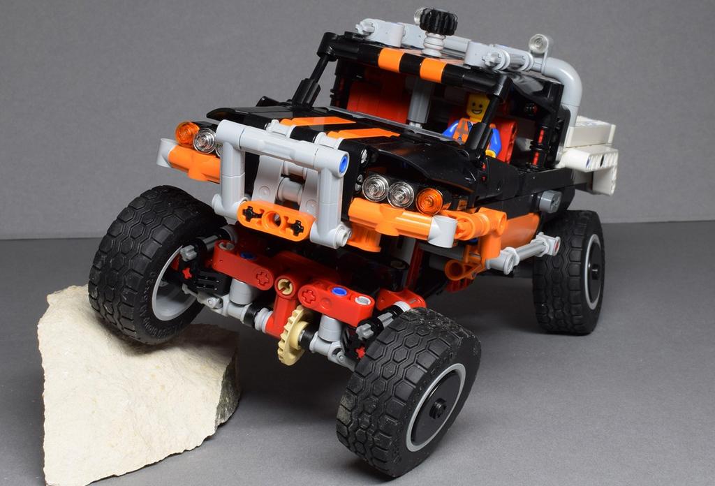 9398-lego-technic-baby-2.jpg