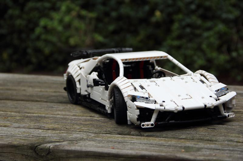 https://bricksafe.com/files/Jerry_LEGO_creations/lego-110-lamborghini-huracan-performante/Front%20right.JPG/800x533.jpg