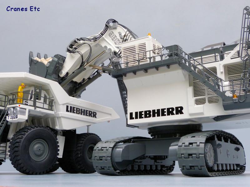 Liebherr-R9800-2942-0-30.jpg