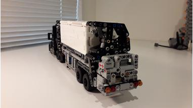 LEGO MOC-24272 1/2 Scale Mack Anthem Container Trailer