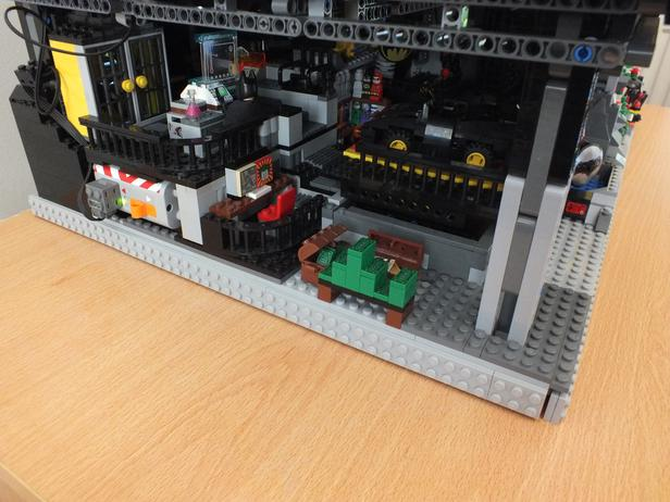 Lego Moc 4565 Batman Batcave And Wayne Mansion With Power Functions
