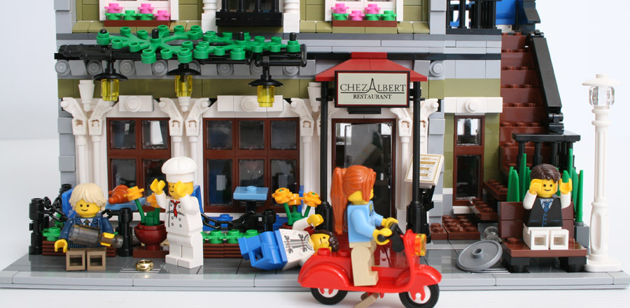 LEGO Modular Buildings 10243 Parisian Restaurant