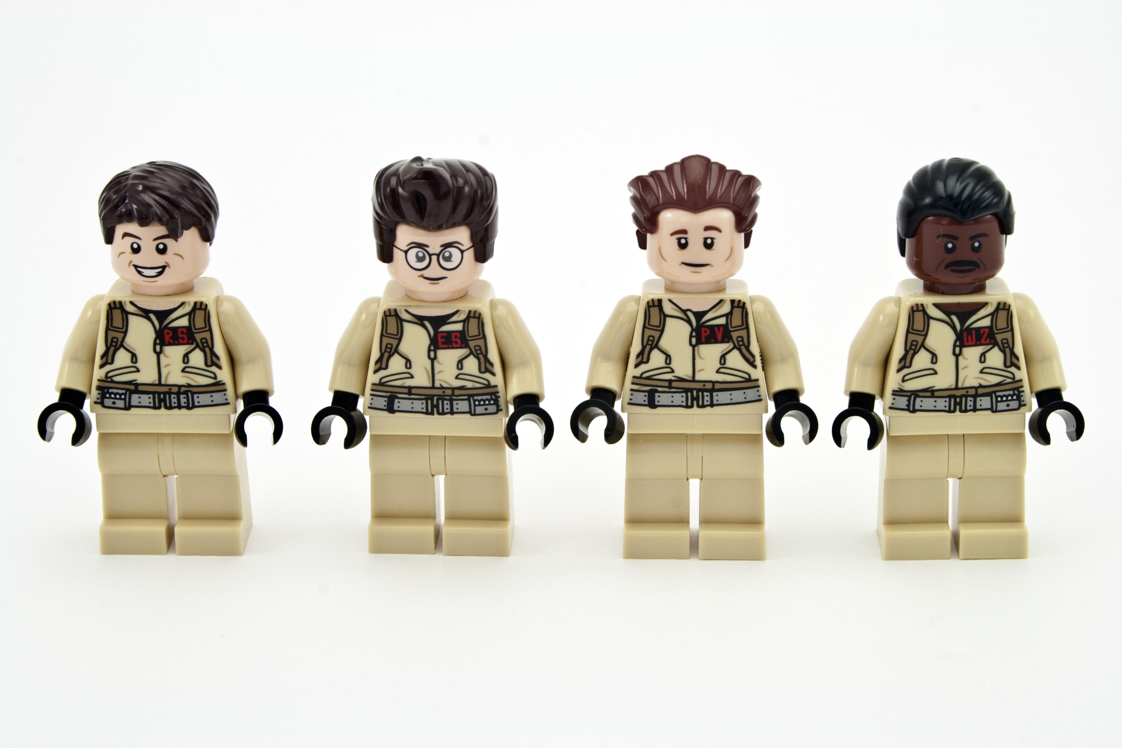 Review Lego 21108 Ghostbusters Ecto 1 Rebrickable Build With 75828 Ampamp 2 Minifigs