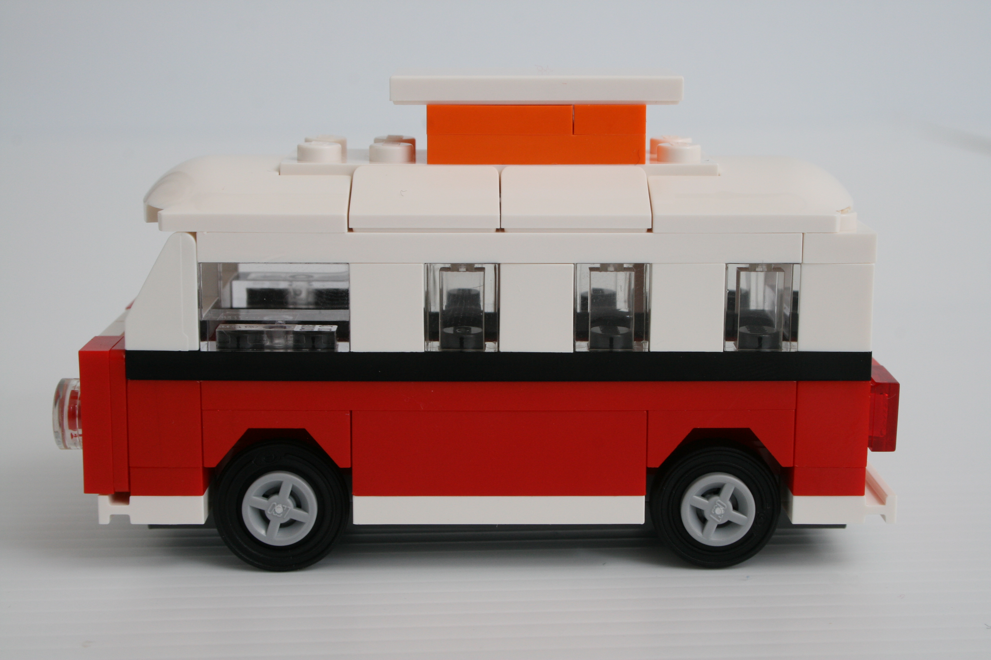 lego 40079 mini vw t1 camper van bricksafe. Black Bedroom Furniture Sets. Home Design Ideas