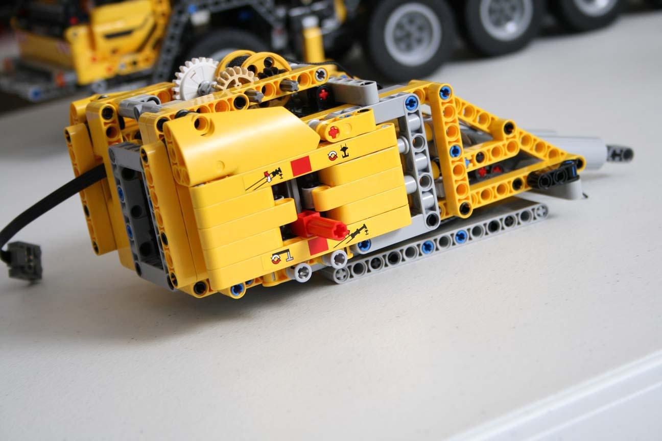 Lego technic 42009 mobile crane mkii power functions