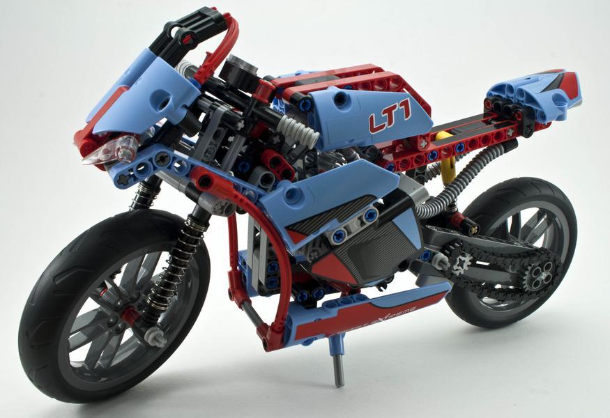 http://bricksafe.com/files/nathan/lego-reviews/42036-street-motorcycle/IMG_8993a.jpg/875x600.jpg