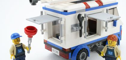 Review 70811 The Flying Flusher Rebrickable Build