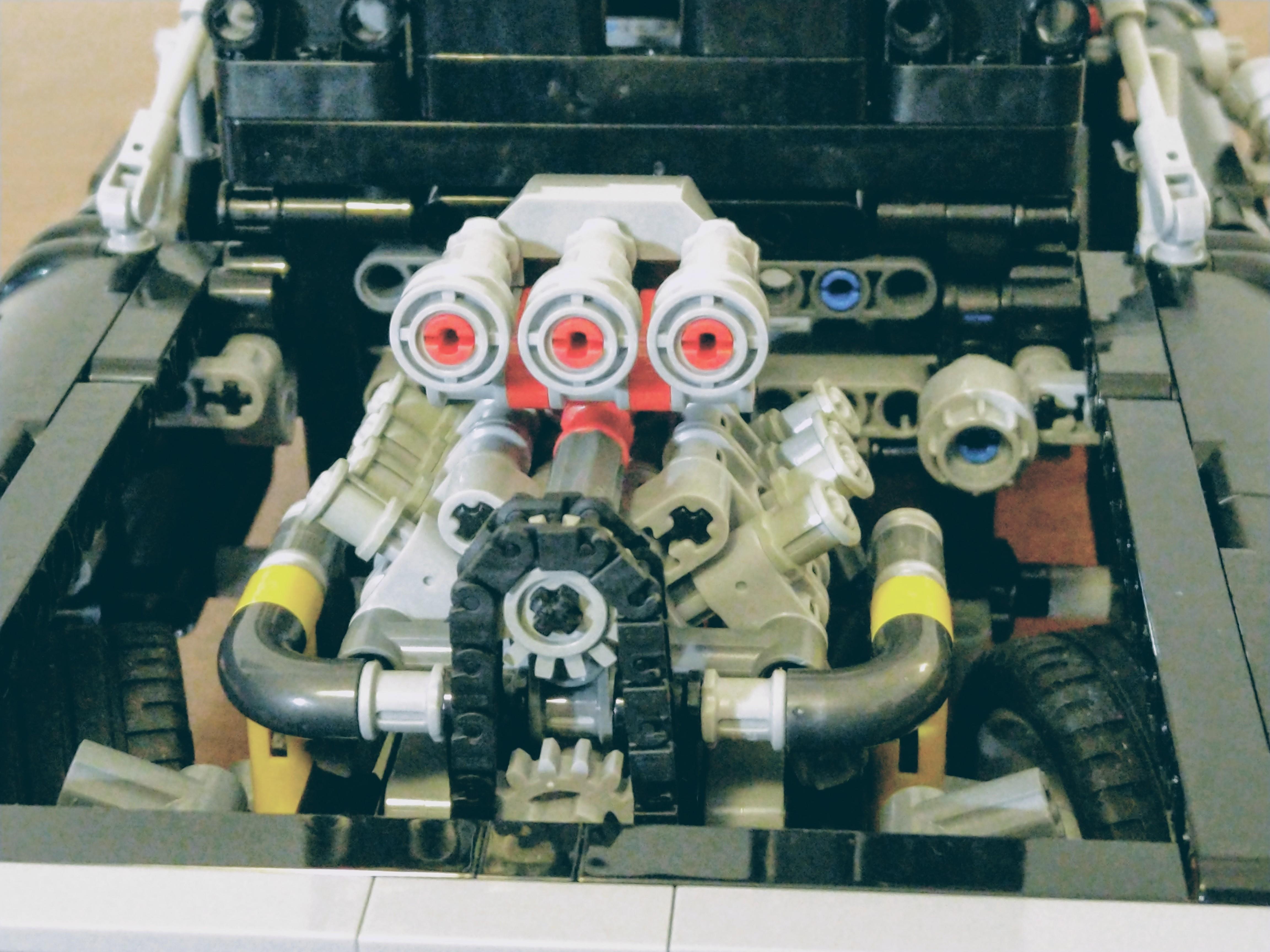 42111-Dodge-Charger-Engine_02.jpg