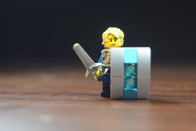 http://bricksafe.com/files/rioforce/Minifigures/Duke%20Exeter/DSC_0395.JPG/640x427.jpg