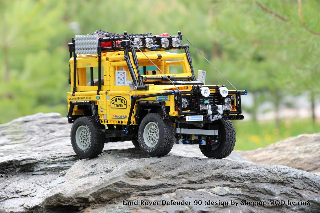 Land Rover Defender 90 Camel Trophy Bricksafe
